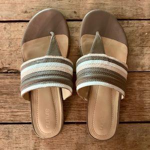 Nurture sandals NEW 8